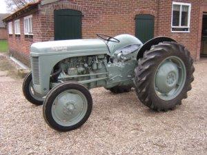 Massey Ferguson TEF 20, bouwjaar 1955, 4 cilinder, vermogen 26 pk.
